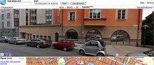 Endast slumpen kan åstadkomma en sådan konstellation. På Norrlandsgatan i Stockholm står en Ford Mustang, en Reliant Rialto och en Smart.