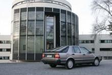 Så ska en Saab 9000 se ut. Svart akter ger en råare karaktär.