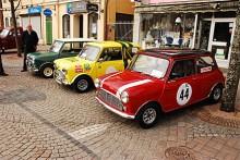 Tripp trapp trull i rejsiga Hundkojor. Gatbil, racingreplika för gata och racingbil utan registreringsskyltar. Konceptet i mitten som är en klon på en av Picko Trobergs bilar var mest uppskattat, den valdes till People´s choice.