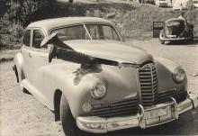 """""""Bilen hade klarat sig utan bucklor men avgasröret hade slitits sönder varvid höga ljud uppstod."""""""
