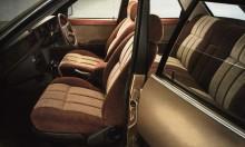 Rymligt, ombonat, komfortabelt. Cortina uppfyller allt. Läcker träpanel högst upp på dörrarna.