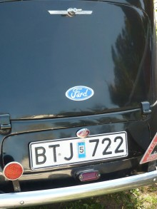 Ford Prefect: Tag plats