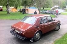Saab-entusiasten Sybilla med make var först på plats. Med brun bil dessutom