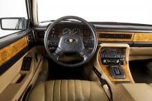 Jaguar XJ40: Första klass