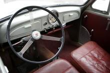 Proper interiör med rätt doft av brittisk bil.