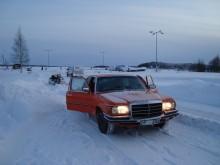 Hmm, det är kallt och bilen går inte bra.
