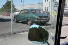Bilspanaren bakom galler