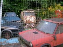 Vi vill tro att detta är en Fiat 600 M Furgoncina Corisco, alltså en skåpversion av 600 Multipla. Men ett otal varianter fanns från flera mindre tillverkare. Ovanlig så det förslår.