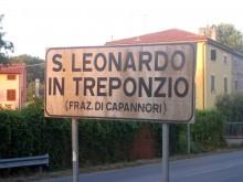 Nu är du nära. Ta vänster mitt i byn om du kommer från Lucca-hållet.