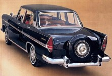 1964 Simca Presidence, med continental kit som standard.