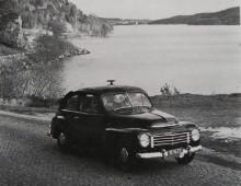 Volvo PV med takgök vid landvettersjöns västra ände.
