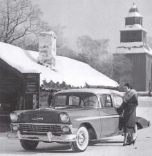 Bel Air sedan, med vita däcksidor och heltäckande navkapslar, en elegant vagn men ofta kom dessa med väldigt lite övrig utrustning. Notera att den saknar till exempel backspeglar.