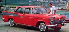 1963 Simca rallye, som kändes igen på sina extra luftintag i huven.