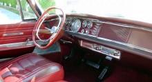 Chryslers modeller 1963 och 1964 skiljde sig diamertralt från allt annat innen och efter i programmet, och dessutom gick dom att få med fyrkantig ratt
