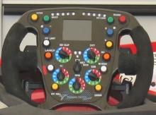 Så här ser ratten ut i en Formel-1 bil , denna från Toyota.