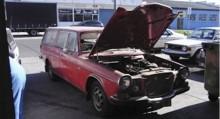 John ägde bilen i tolv år innan han till slut tog tag i renoveringen. Att han har en verkstad specialiserad på Volvo är nog till hjälp.
