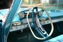 Instrumenteringen blev inte mer modest i Plymouth 1961....