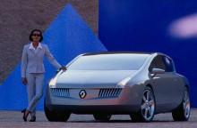 Vel Satis concept visades 1998 och var betydligt mer futuristisk än produktionsmodellen.