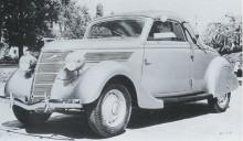 Licensbyggd Ford V8 med roadsterkaross från Deutch