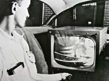 Bilderna överfördes till en 14 tums skärm inne i testbilen.