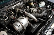 välfyllt motorrum i GNX med en V6 någonstans därunder