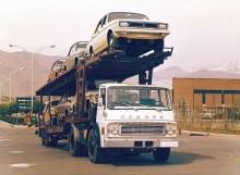 En Commer LA-6 (Iranskbyggd, hette Dodge 500 hemma i Europa) kommer lastade med nya Peykans 1967.