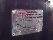 chassiplåten beskriver vad som är byggt i plåt respektive plast på karossen
