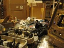 Paketfrossa i lägenheten. En motor består av många delar. Hur ska allt få plats?