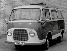 Transit Panorama 1963 var modellerad efter Volkswagens safaribuss med små rutor i taket och allting, men nådde långt ifrån samma popularitet