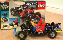 8860 kom 1980, från början hette teknik-lego expert builders series.