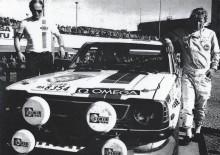 """Ove """"Påven"""" Anderssons minne hyllas på Midnattssolsrallyt av bland andra Hannu Mikkola. Bilden är från Tusen sjöars rally 1975 då Mikkola tog hem första VM-segern åt Toyota. Mikkola ska köra en kopia av denna bil. Foto från Toyota Team Historic"""