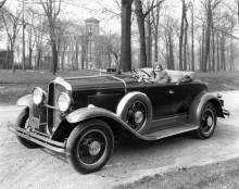 1930 Oakland roadster,, de sista två åren hade dom V8