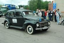 Världens äldsta ännu rullande Volvo-Sugga, en PV 831 från 1950 deltog från Musiespårvägen i Malmköping.