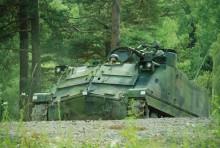 Ett mycket populärt inslag under Fordonsfestivalen var Arsenalens pansarvandvagn 302, som bjöd besökarna på uppskattade åkturer i terrängen.