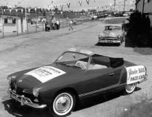 Trots sina blygsamma prestanda fick en  Karmann Ghia äran att köra pace car på Yankee 500.