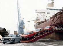 ch här lämnar en karavan Ponys skeppet, dessa hamnade av nån anledning i Norge. Någon som vet mer om dessa norska Hyundais?