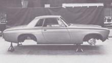 byggd i aluminium, och utan föregångarens distinkta veck vid hjulhusen var detta en vacker välproportionerlig kaross.