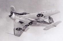 den allra första prototypsafiren försågs senare med pilvingar för utvärdering av den konfiguratione för J29 Tunnan, benämns 201. Senare byggdes den om en gång till, med Lycomingmotor och Lansenvingar inför testerna av J32, då kallades planet 202.