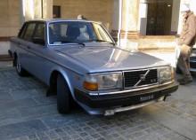 Volvo 244 GLE - lagom lyxig svensk.