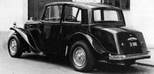 1947 års nya bil för mcLeod, B22AK, med skärmar modellerade efter Citroen 11CV