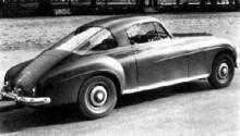 McLeods R-type 1955 BC50D blev riktigt tuff med sin stora bakruta och sluttande korta bakparti.