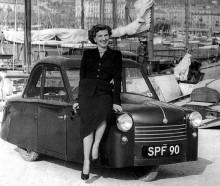 Petite, AC:s enda modell i någon större volym var en trehjuling främst avsedd för invalider.