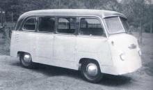 En Kübelwagen som gjorts om till minibuss av Fleischer efter kriget.