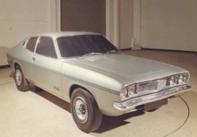 Ett intressant sidospår var projekt R429, en tilltänkt Caprikonkurrent. Av den blev intet fast delvis kom den gå igen i Chryslers australienska Charger.