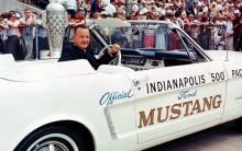 Pace car chaufför på Indy 500 1964 var Benson Ford.