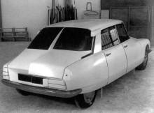 Tidiga steg mot Projet L som den nya bilen kallades internt. Ganska snart började man från scratch istället