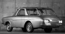 Och en av projet 900-bilarna, Ghia stod för formgivningen av dessa