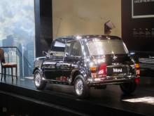 På Frankfurtsalongen 2013 fanns David Bowies bil på plats i Minis monter.