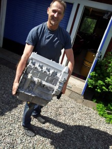 Coventry Climax-motorn är inte tung den heller.