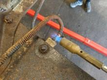 Värme hjälper till att få loss fastrostade bromsrörsnipplar